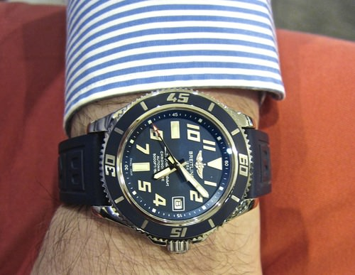 Breitling superocean 42 a17364 blue limited edition.